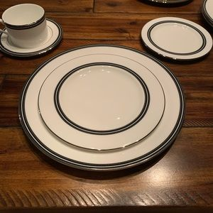 Kate Spade Union Street 5 piece place Setting